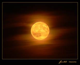full moon by Rohwen