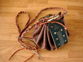 Celtic Knotwork Leather Pouch by ErurainaCrafts