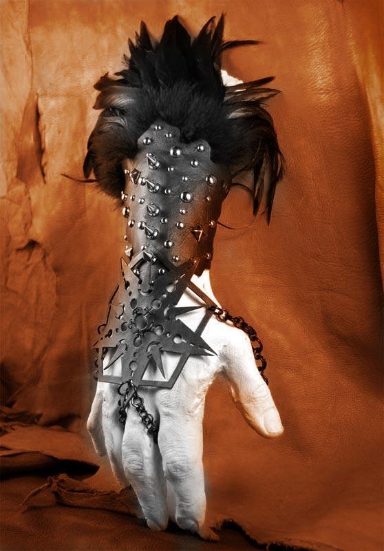 Post apocalyptic arm wear by MidnightZodiac