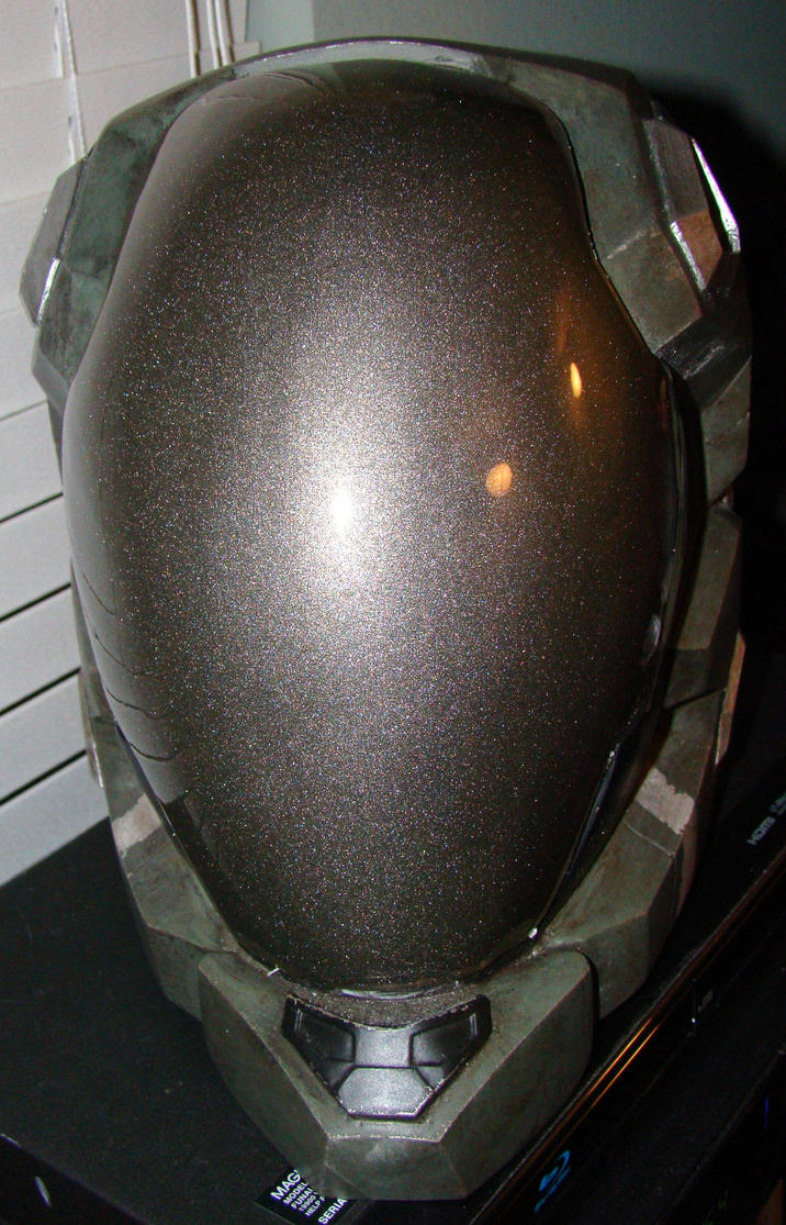 Halo Reach Pilot helmet front view finished by Hyperballistik