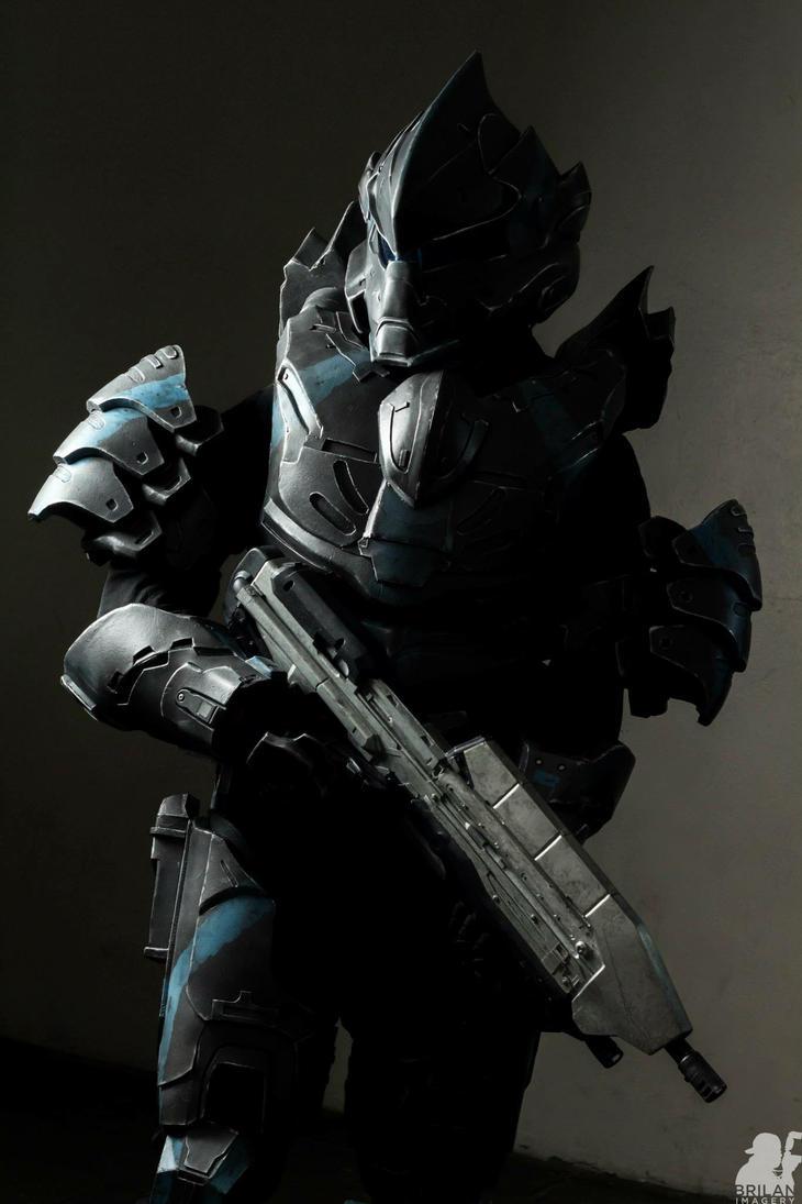 Halo 4 Hayabusa Concept armor (lifesize) by Hyperballistik