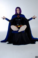 Meditating Raven by ChelzorTheDestroyer