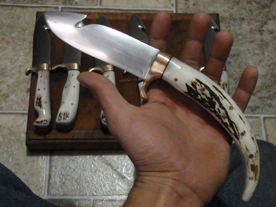 Custom hunting knife. by gragh