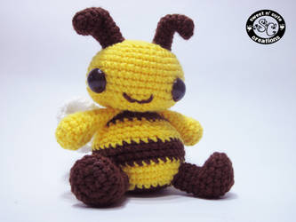Boo the Bee by SNCxCreations