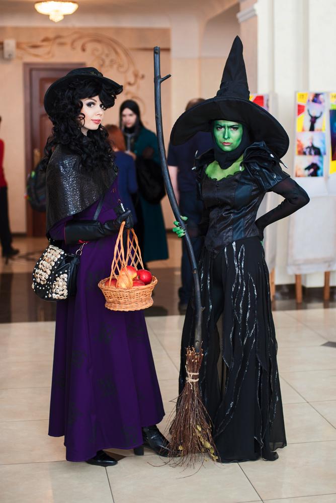 Theodora and Regina Mills by Camui--Gackt