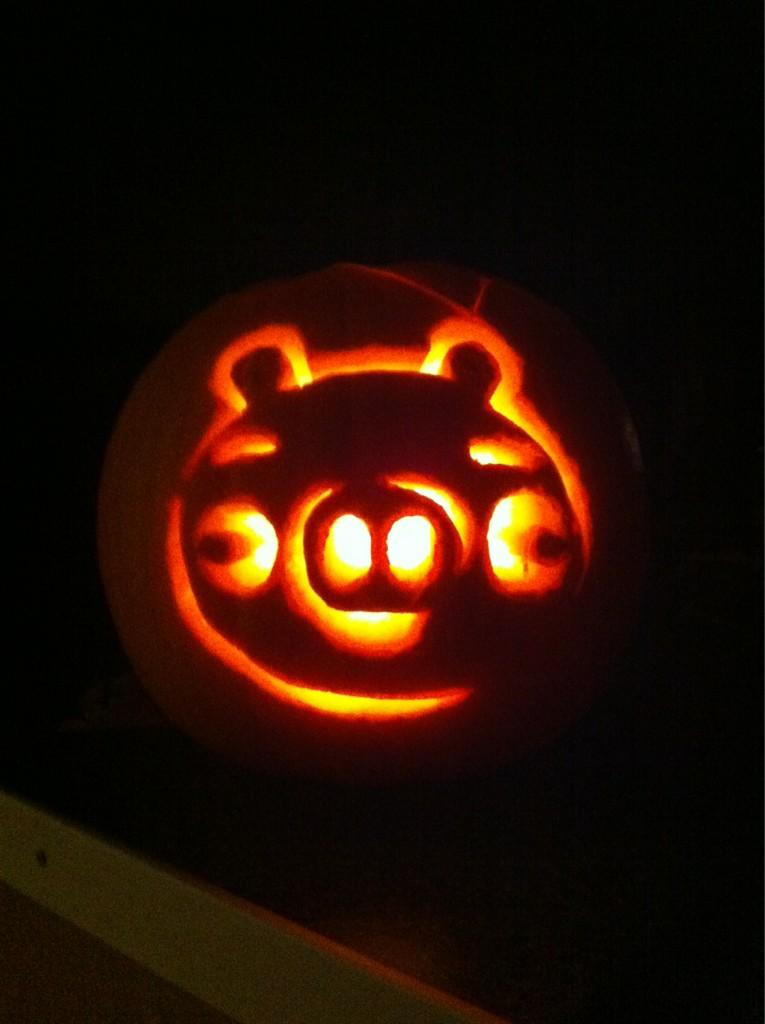 Angry birds pumpkin by tomefc98 on deviantart angry birds pumpkin by tomefc98 pronofoot35fo Images