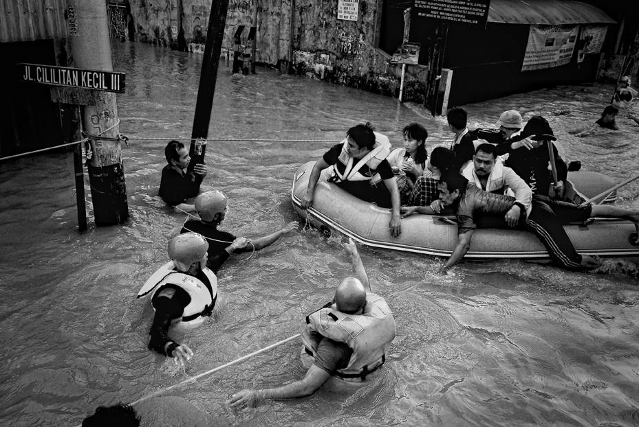 Evacuation by miduntramp