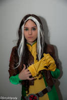 Rogue cosplay by Solipsis79