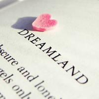 Dreamland by h23b