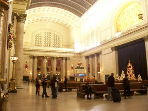 Chicago Union Station during the holidays