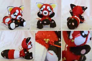 Art Trade: Red Panda w/ Clover by CoffeeCupPup