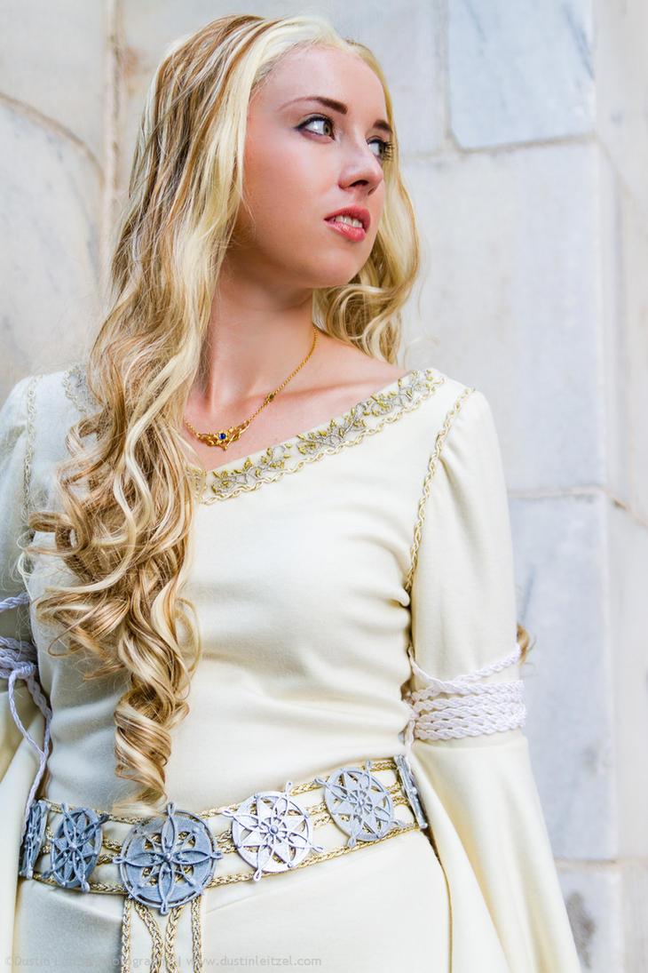 Eowyn's White Wool Gown by kairi-g