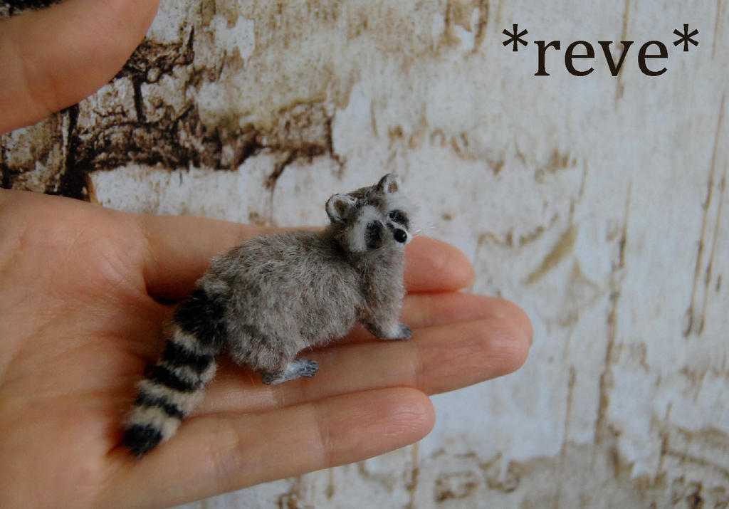 OOAK Handmade Miniature Raccoon Sculpture by ReveMiniatures