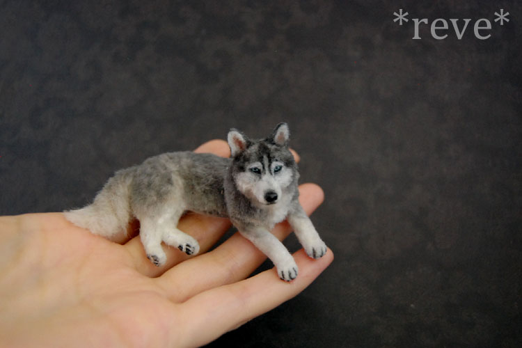 Bekannte Miniature Siberian Husky Dog * Handmade Sculpture by  GS39