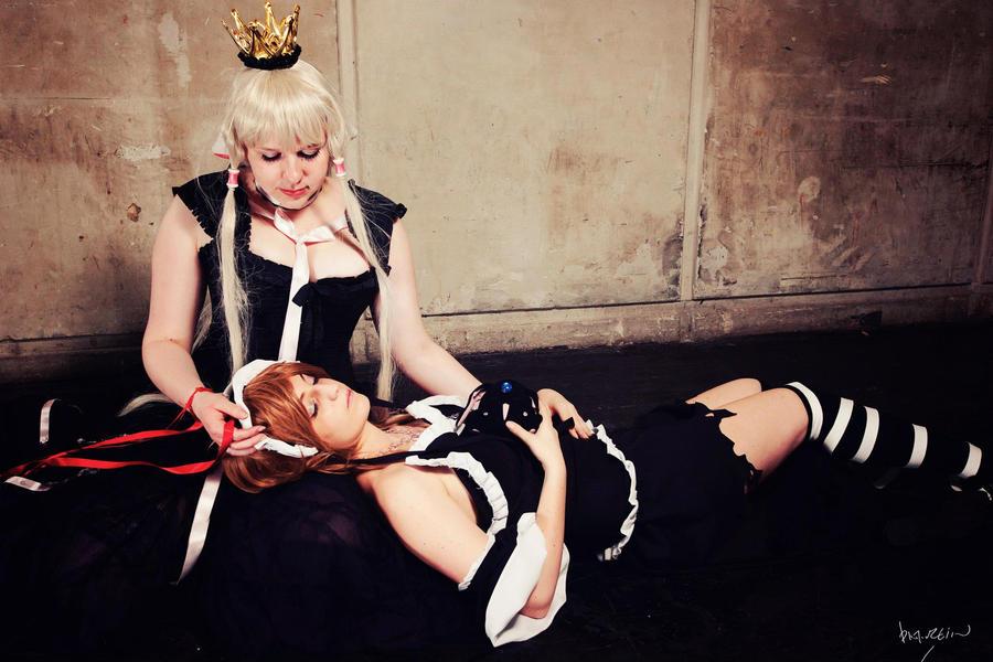 Natsu's cosplay - Page 2 Sleeping_princess_by_natsumi02-d578owa