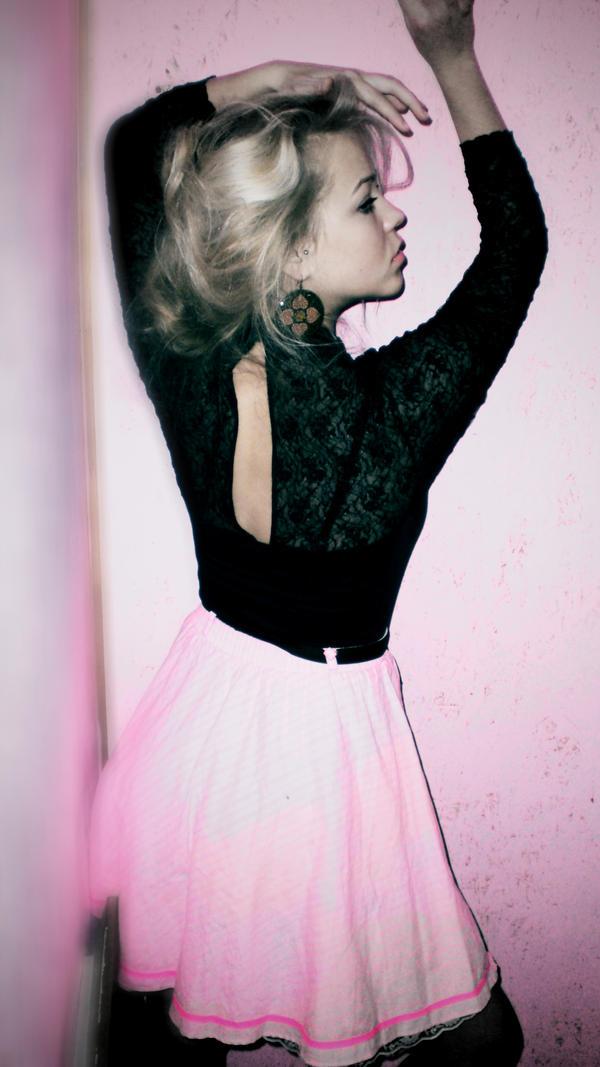 pink dancer by vertiginousWind