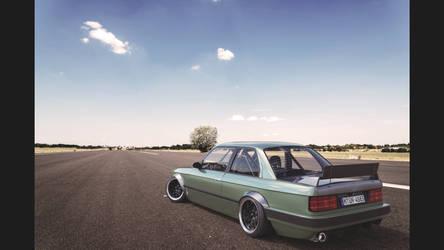 Final BMW E30 back