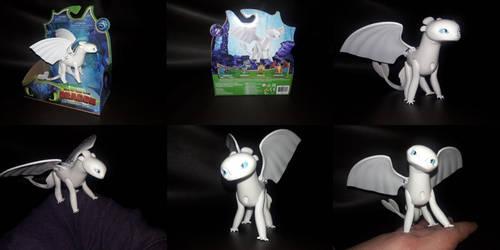 2019 Spin Master Light Fury Figure by PokeLoveroftheWorld