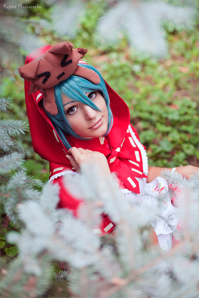 Red Hat Miku by KinslayeR13