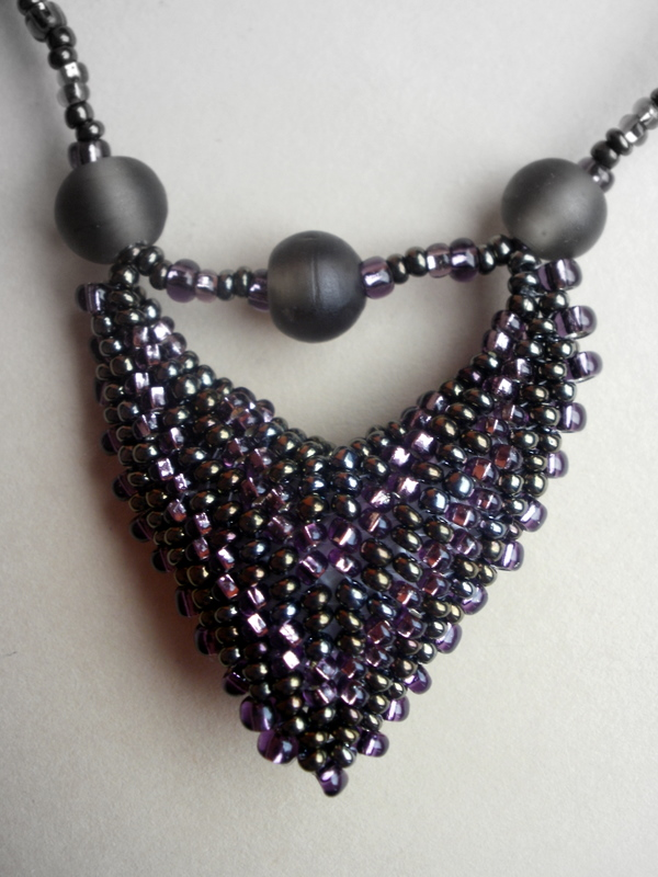Beaded necklace by gordissima