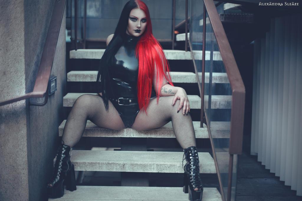 Valerie Venom