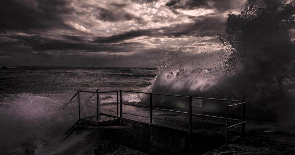 Adagio for Waves by bluesense