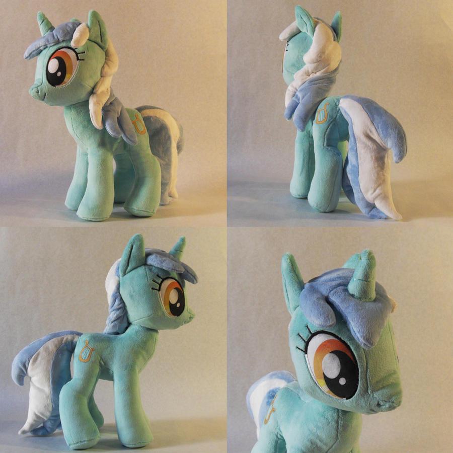 Lyra Plush by TheGrillosLab