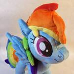 New Rainbow Dash plush detail