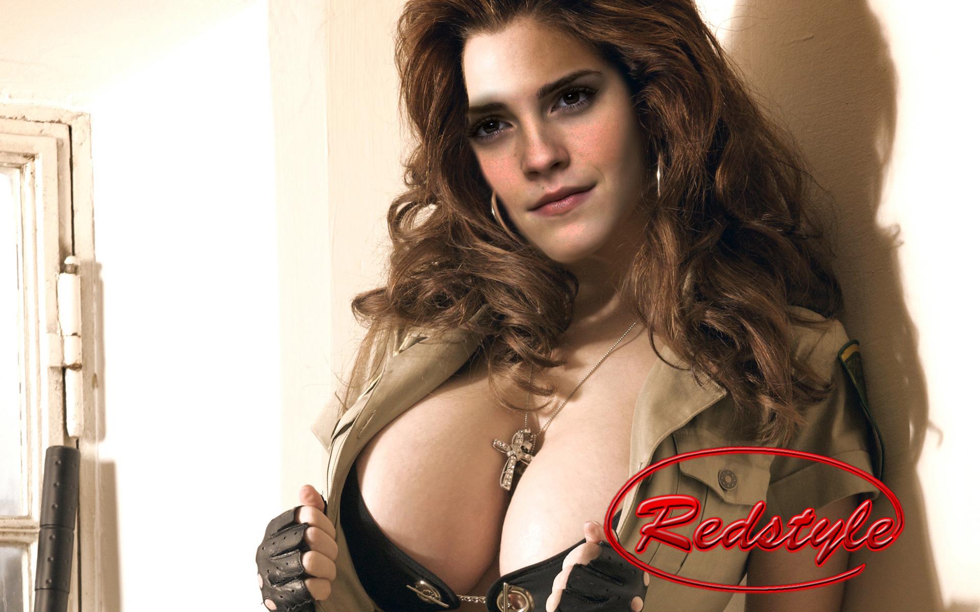 Смотреть красивая женская грудь 23 фотография
