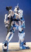 Unicorn Gundam by Karidzka