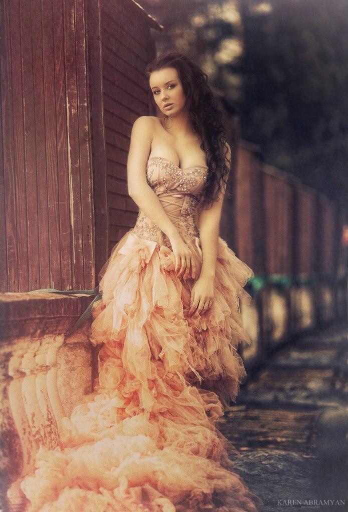 Bella by karen-abramyan