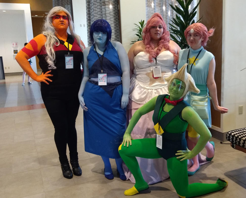 Jasper, Lapis, Rose, Pearl & the leader and biggest clod of them all Peridot! So comment, enjoy and ifya know/are the cosplayer here, tell me so i can give credit Steven Universe belongs to Reb...