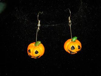 Jack-o Earrings by ADreamersImagination