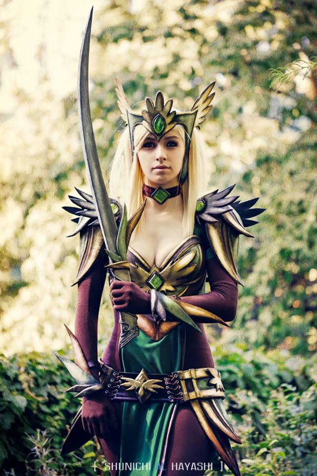 Queen Ayrenn by kaloheart7