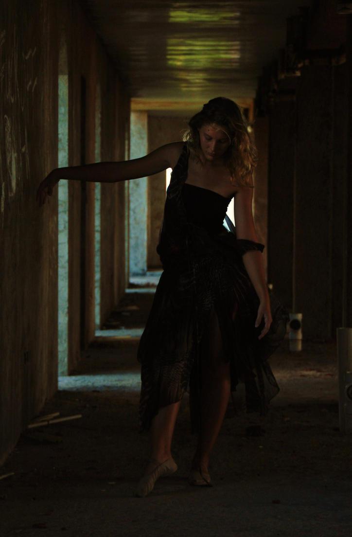 Forgotten Dancer I by SaartjePancake