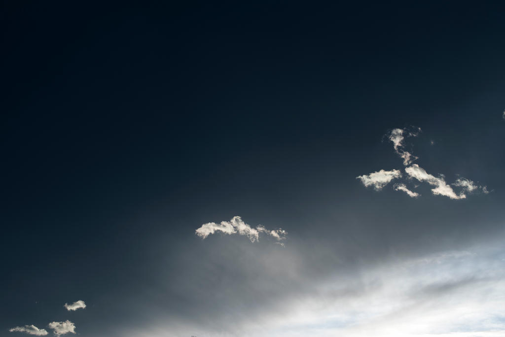 The edge of the sky by fxx85