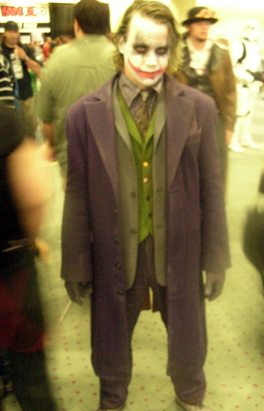 SFX-Fan Expo Cosplay 2009 13 (The Joker) by Neville6000