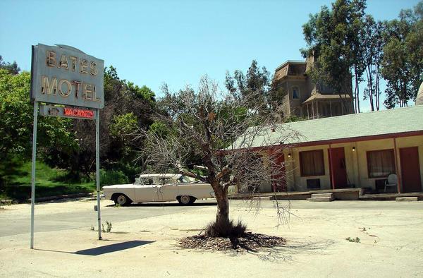 Bates Motel by Artsee1