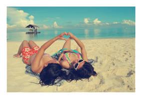 beach lovin' by stephkaz