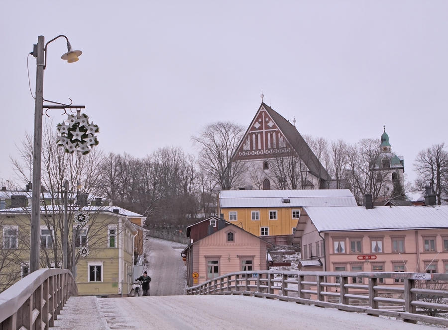 Bridge To Old Town by Sixo