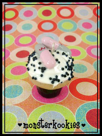 Anti-Anxiety Cupcake by monsterkookies