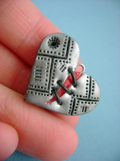 Tiny Stitched Heart by monsterkookies