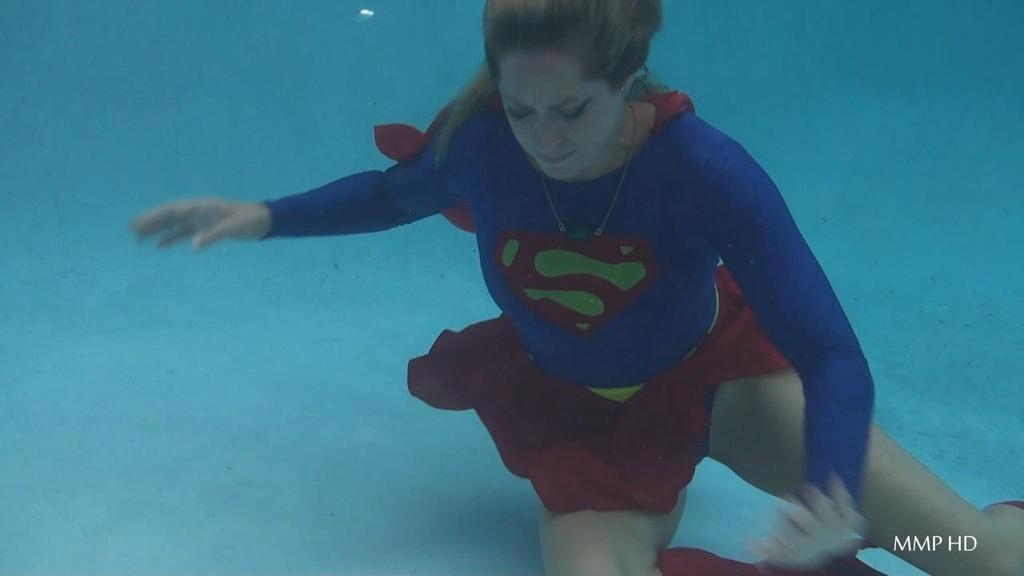 Supergirl Underwater Drowning 2 By Wontv5 On Deviantart