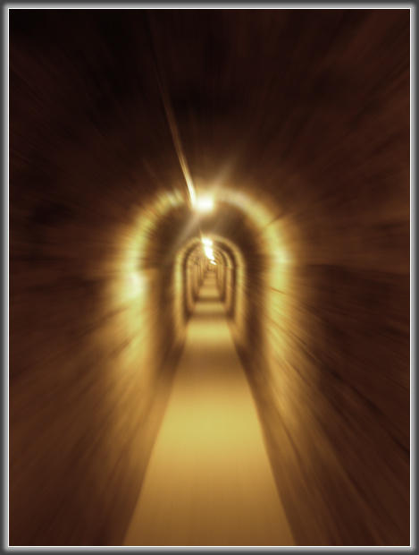 endless tunnel by snitt