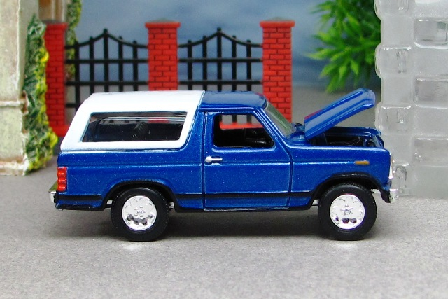 1980 ford bronco 1980 ford bronco blue and white 1980 ford bronco blue