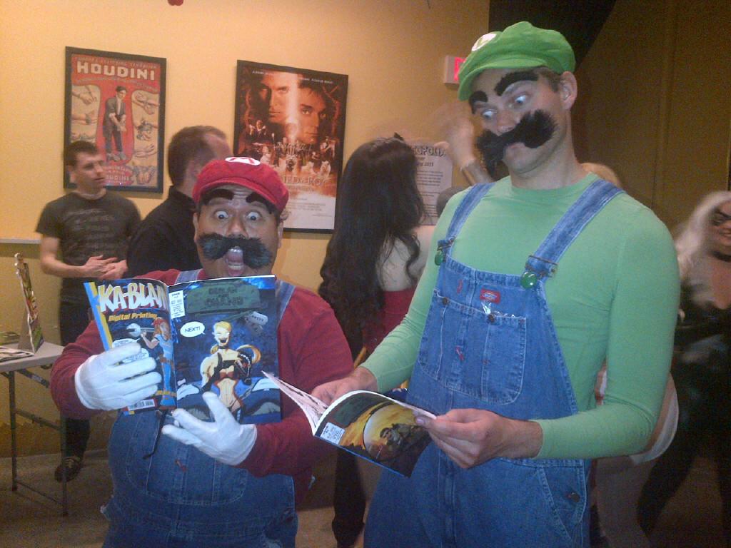 luigi cosplay and Mario