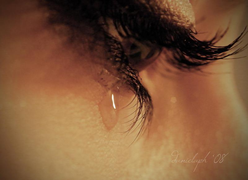 Sad eyes. by violetda