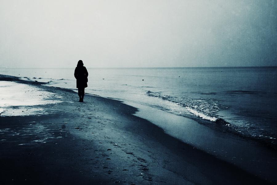 Winter shore by artofinvi