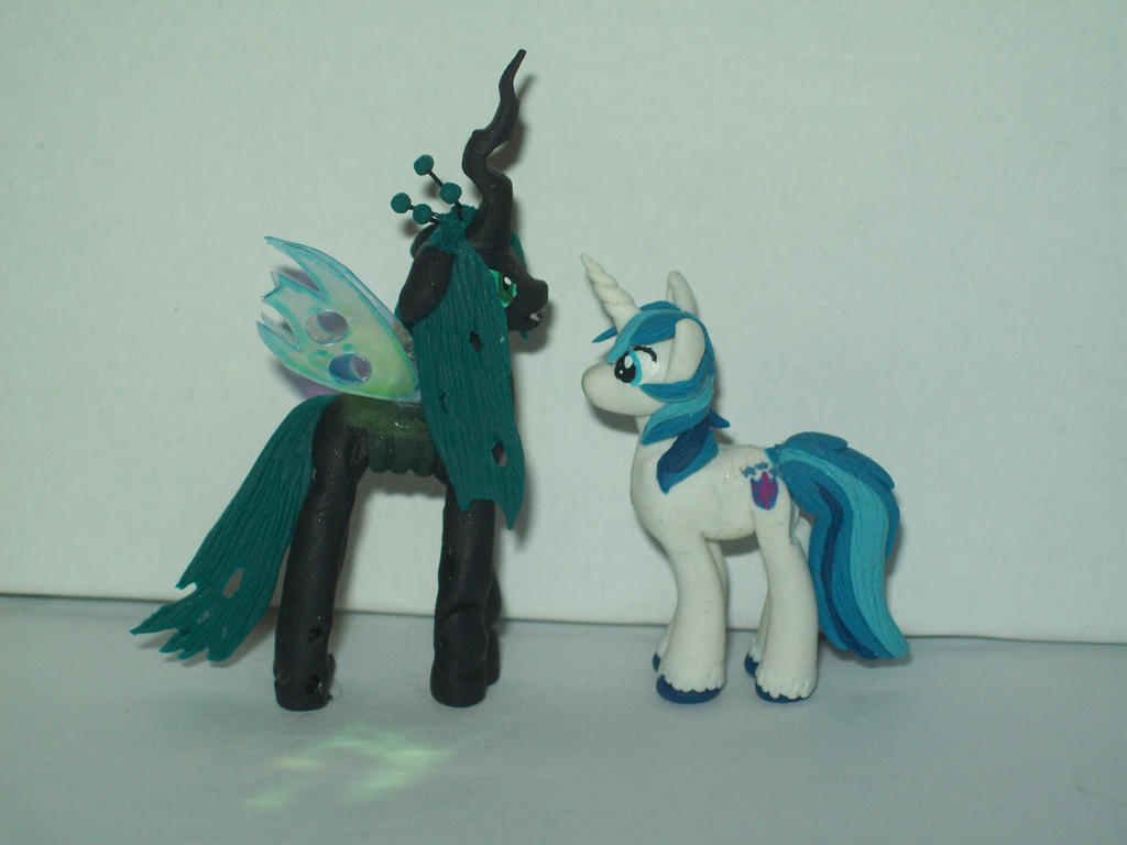 Queen Chrysalis and Shining Armor Miniatures by Sculpt ...