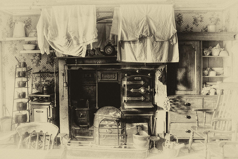 The edwardian kitchen by thebaldingone on deviantart for Edwardian kitchen